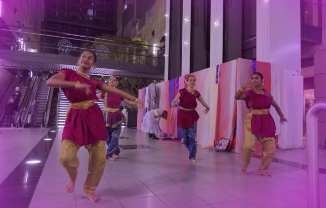 pink island dancing